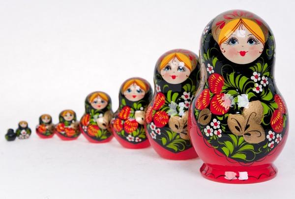 Русская народная игрушка матрешка - картинка 1